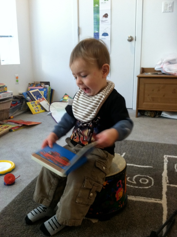 I can do it myself: sit on a drum and read version